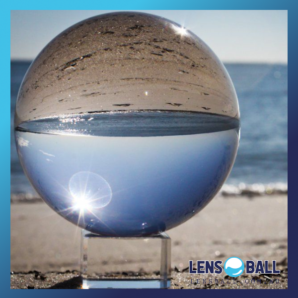 Lensball Stand on beach